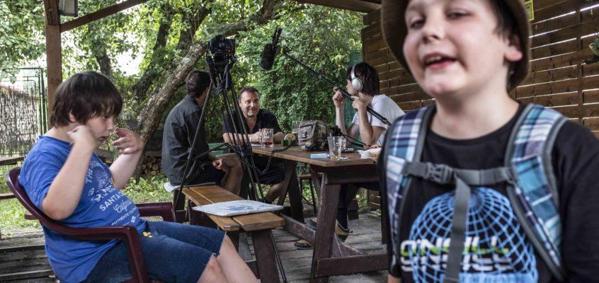 Otec autistických dvojčat: Peněz není málo, ale nemáme je za co utratit