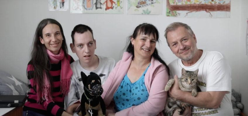 Pomozte nám natočit příběhy, které otevírají cestu lidí s postižením k lepší péči a podpoře